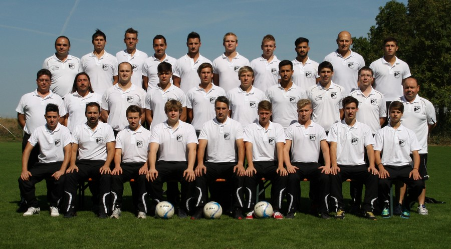 Mannschaftsfoto 1.Mannschaft 12-13 Trikot-2